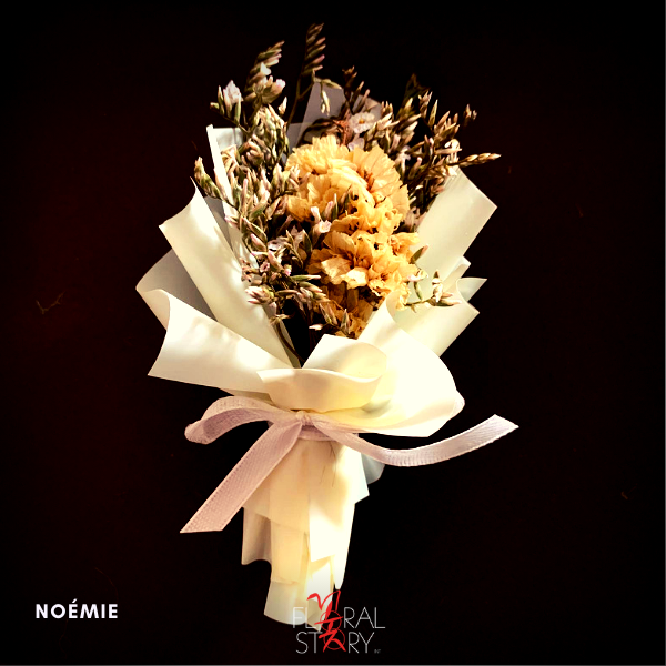 Noémie ($25 Personalized Mini Bouquet)