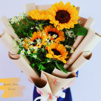 $175 Personalised Sunny Daisies Bouquet